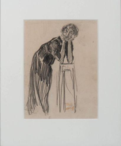 AUGUSTE OLEFFE (1867-1932) Femme accoudée. Fusain et mine de plomb sur papier. Cachet...