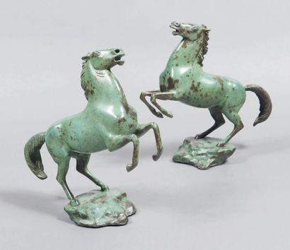 Arno BREKER (1900-1991) Bukephalos I et Bukephalos II Paire de bronzes à patine verte....