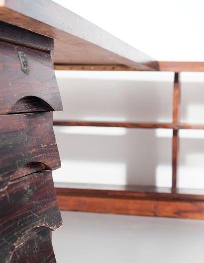 JEAN ROYÈRE (1902-1981) France Bureau Chêne teinté Vers 1950 H_70 cm L_198,5 cm P_168,5...