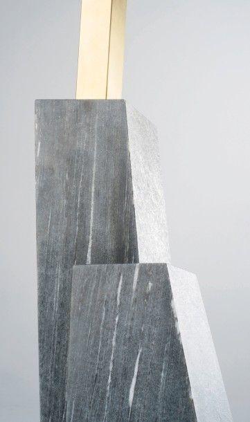 NORAYR KHACHATRYAN (NÉ EN 1983) Prototype Table d'appoint modele «K E P Ti» Marbre...
