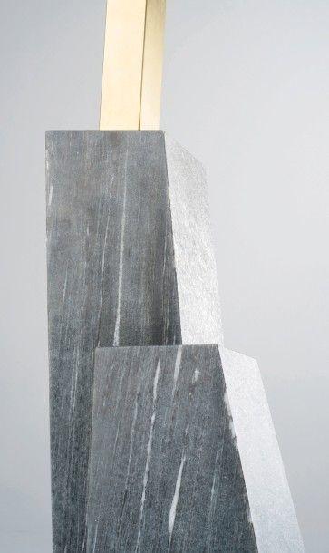 NORAYR KHACHATRYAN (NÉ EN 1983) Prototype Porte manteau modele «K E P «» Marbre «Pierre...