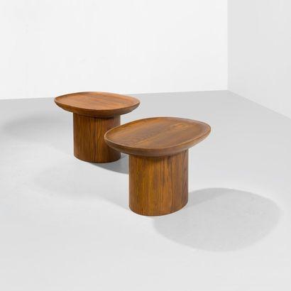 AXEL EINAR HJORTH (1888-1959) Suède Paire de tables basses modèle «Utö» Chêne Édition...