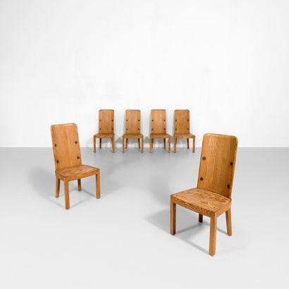 AXEL EINAR HJORTH (1888-1959) Suède Suite de six chaises modèle «Lovö» Pin et fer...