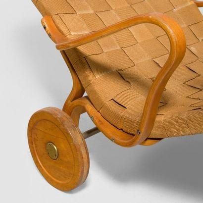 Bruno MATHSSON (1907-1988) Suède Chaise longue modèle «Pernilla» Bouleau et jonc...