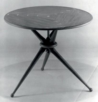 PEDER MOOS (1906-1991) Danemark Table d'appoint Teck et acajou Réalisée par Peder...