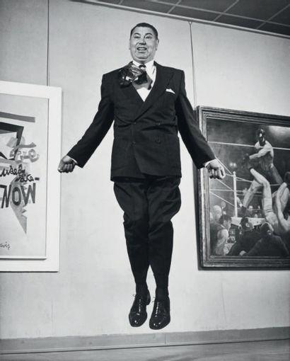 Philippe HALSMAN Jump series, Jack Dempsey, New York, 1959 Tirage argentique d'époque....