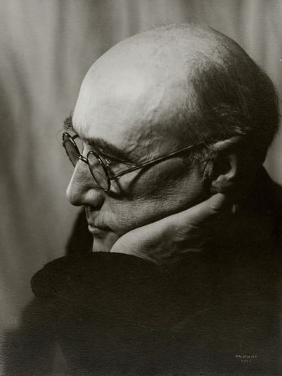 Philippe HALSMAN André Gide, 1934 Tirage argentique d'époque. Tampon au dos. Signé...