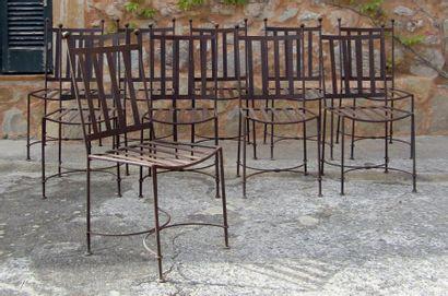 Suite de dix chaises d'extérieur en fer forgé....
