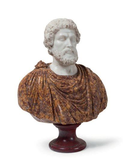 Buste d'empereur romain en brocatelle d'Espagne...