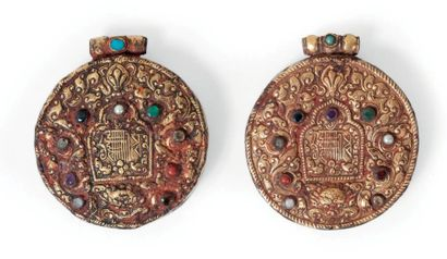 Deux boîtes tibétaines en argent ornées de...