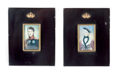 Paire de miniatures sur ivoire. Couple royal...