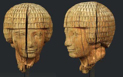Portrait de dignitaire. Grande tête de statue...