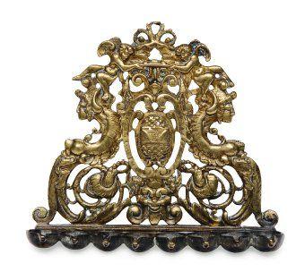 Lampe de hanoucka en bronze, ornée d'un blason...