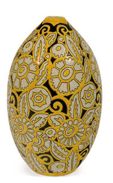 Rare vase à décor tricolore (jaune, noir,...