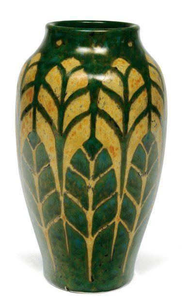 Vase à décor bicolore