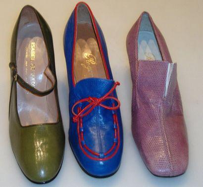 Ensemble de douze escarpins et souliers dont...