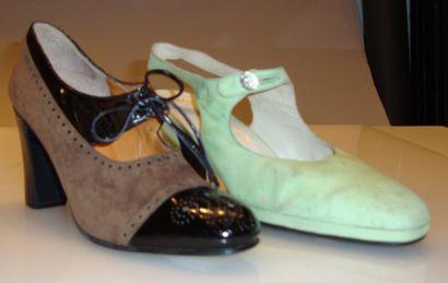 Ensemble de douze escarpins, sandale dont...