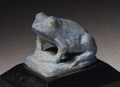Grande amulette représentant une grenouille...