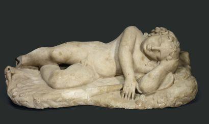 Éros endormi. Statue représentant le jeune...