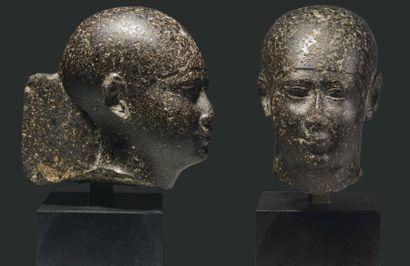 Tête de dignitaire. Tête de statuette représentant un dignitaire coiffé de la calotte...