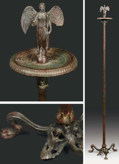 Candélabre porte-lampe formé d'une colonne...