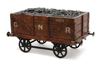 Amusant coffret de fumeur en forme de wagon...