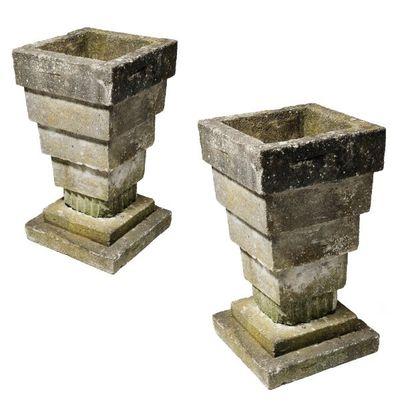 Paire de vasques en pierre reconstituée en...