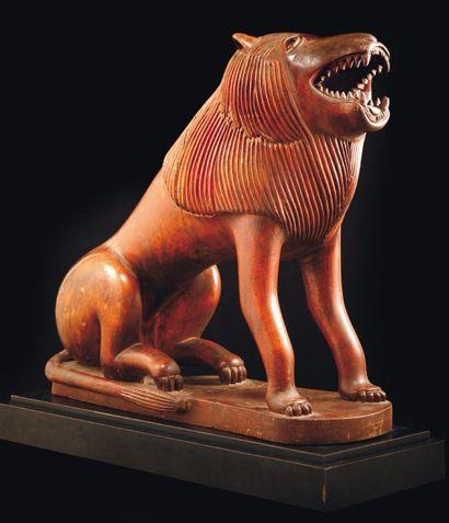 LION FON Bénin Bois mi-dur à teinte rougeâtre...