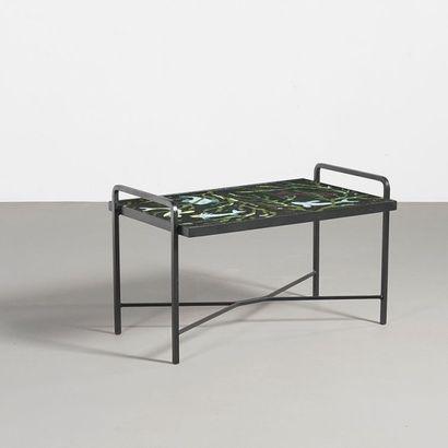 JACQUES ADNET (1909-1984) France Table base à décor de fond marin Fer forgé et grès...