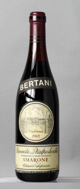 1 Bouteille Italie - AMARONE BERTANI 1962 Étiquette légèrement déchirée. Label slightly...