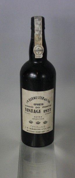 1 Bouteille PORTO J.W.BURMESTER Vintage 1977 Étiquette légérement sale. Label lightly...