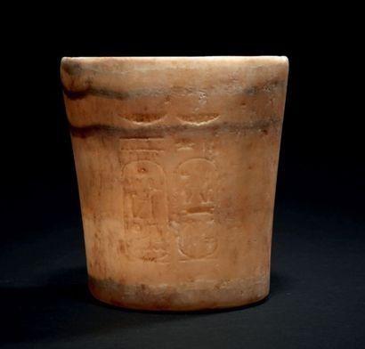 VASE AU NOM DE RAMSÈS II. Vase tronconique,...