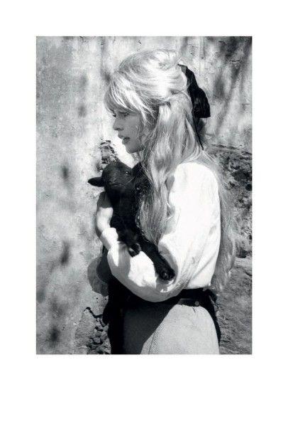 MARINA CICOGNA (NÉE EN 1933)