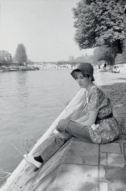 MICHEL GINFRAY (NÉ EN 1946) Isabelle Adjani, 1975 Isabelle Adjani a 19 ans, sur les...