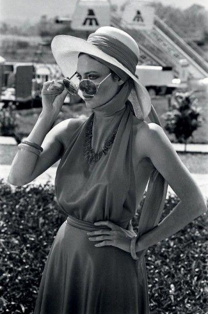 MICHEL GINFRAY (NÉ EN 1946) Portrait de l'actrice britannique Jacqueline Bisset,...