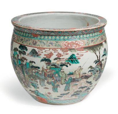 CACHE-POT en porcelaine décorée en émaux...