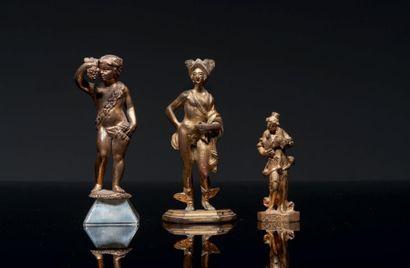 LOT COMPOSÉ DE TROIS PERSONNAGES en bronze...
