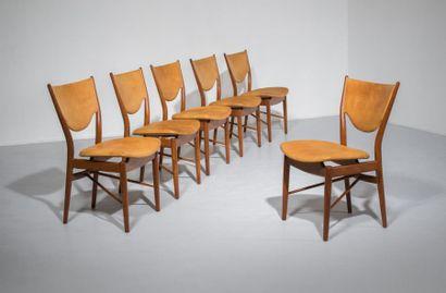 FINN JUHL (1912-1989) Danemark Ensemble de salle à manger comprenant une table «Judas»...