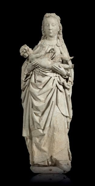 Importante Vierge à l'Enfant en pierre calcaire...