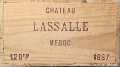 12 bouteilles CHÂTEAU LASSALLE - Médoc 1977...