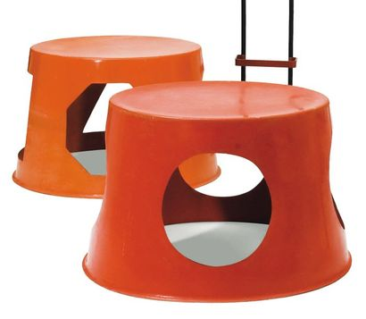 Paire de tables / structures de jeux cylindriques...