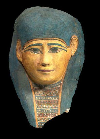 MASQUE DE MOMIE. Masque de momie féminin,...