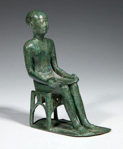 STATUETTE D'IMHOTEP. Statuette votive représentant...