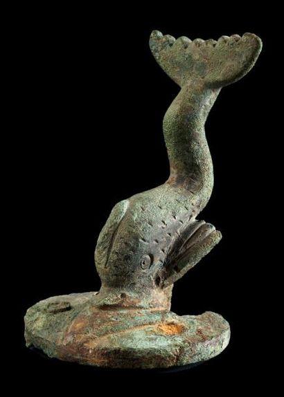 HEURTOIR DE PORTE en forme de dauphin posé...