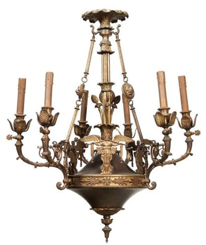 LUSTRE à six lumières en bronze ciselé, doré...