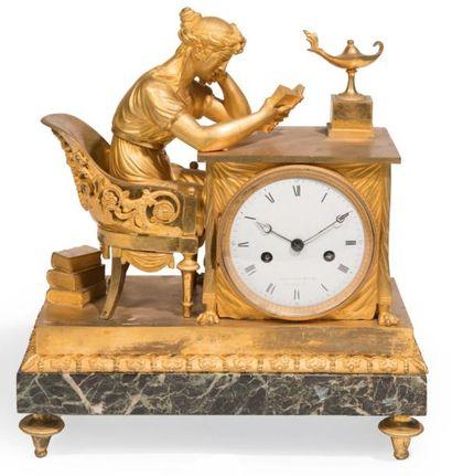 PENDULE en bronze ciselé ou doré et marbre...