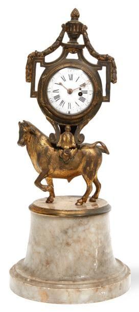 PORTE MONTRE AU TAUREAU en bronze ciselé...