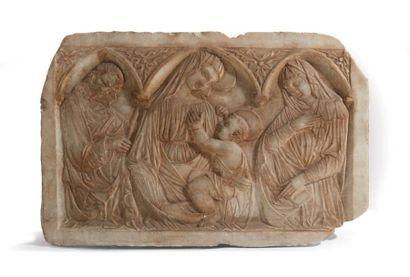 Plaque en marbre sculpté en bas-relief représentant...