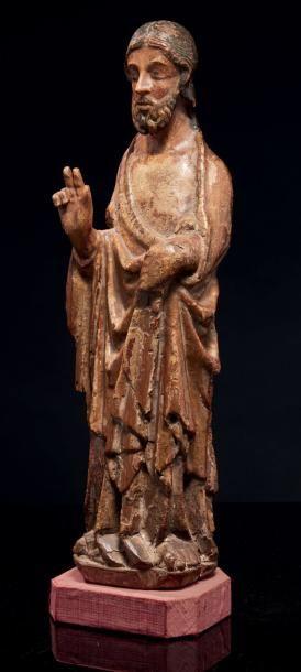 Christ bénissant en bois de résineux doré...