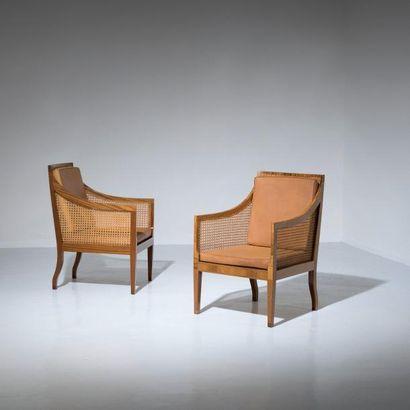 KAARE KLINT (1888-1954) Danemark Paire de fauteuils «English» modèle «4488» Acajou,...